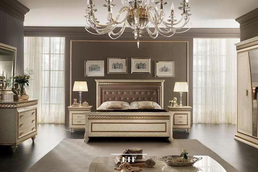 Neoclassical bedroom: Fantasia