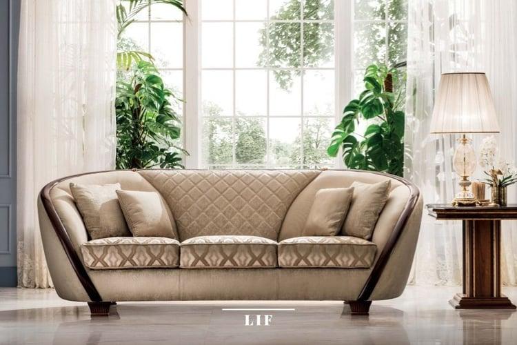 Classic sofa colors: ivory-coloured fabrics