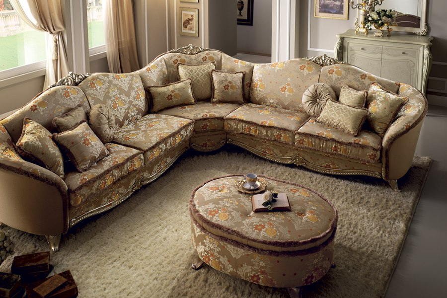 Furnish your classic Italian style living room with an elegant Arredoclassic collection 6