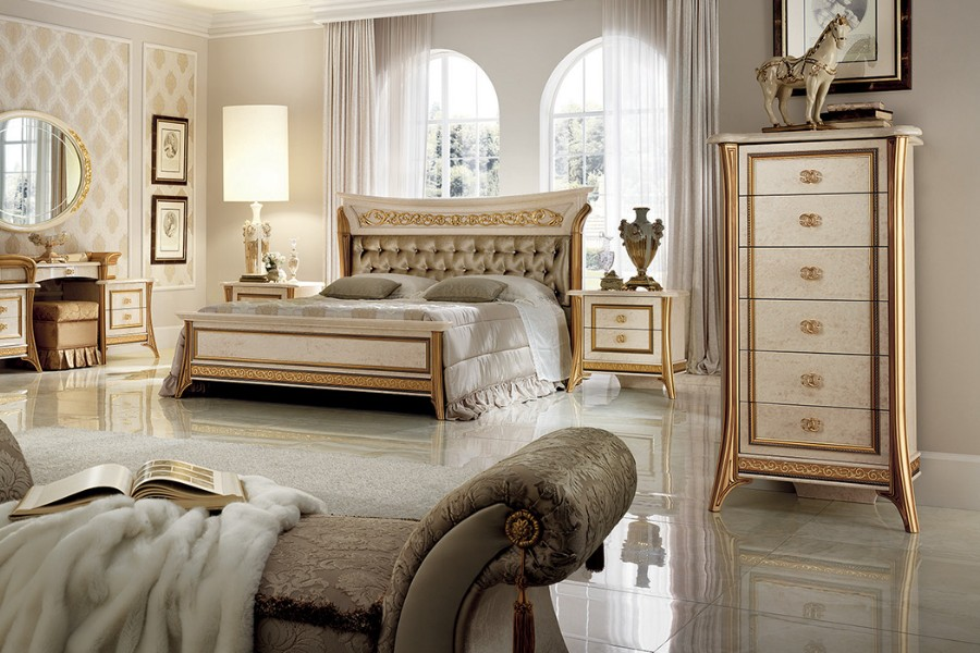Luxury master bedroom ideas: how to design it with an elegant neoclassical style 2