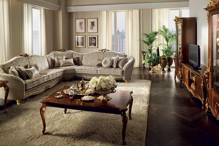 Lightness and elegance of a Renaissance style living room: the Donatello Collection 4
