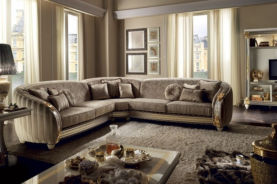 How to choose the right neoclassical sofa: 4 suggestions