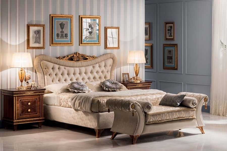 Luxury bedroom ideas: how to design it with an elegant classic style